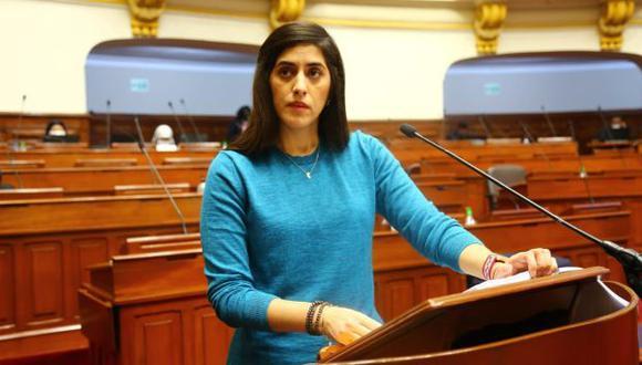 La ministra defendió la implementación del programa Reactiva Perú y señaló que no se ha entregado dinero del Tesoro Público a empresas. (Foto: Congreso)