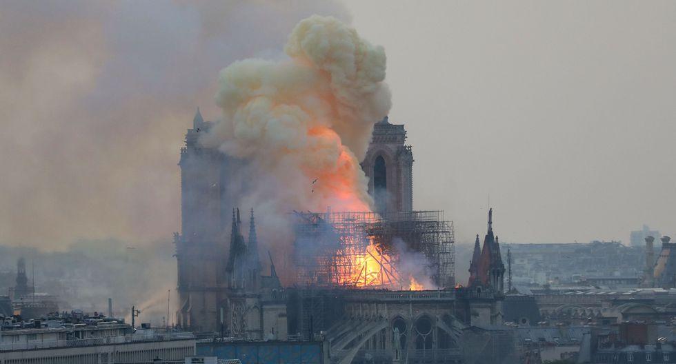 Neymar, Mbappé y el mundo del deporte lamenta el incendio en la catedral Notre Dame. (Foto: AFP)