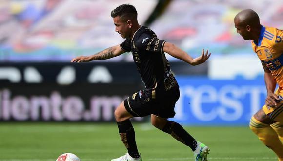 León vs. Tigres: Fernando Navarro aprovechó un rebote para convertir el 1-0   VIDEO