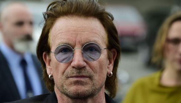 Bono pasó un mal momento en Berlín. (Foto:Agencias/Video: YouTube)