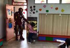 """Hombre sorprende a su hija disfrazado como Iron Man tras no llegar a conseguir entradas para """"Avengers"""""""