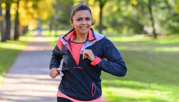 El ejercicio debe hacerse de forma moderada, sin provocar estrés cardiovascular.