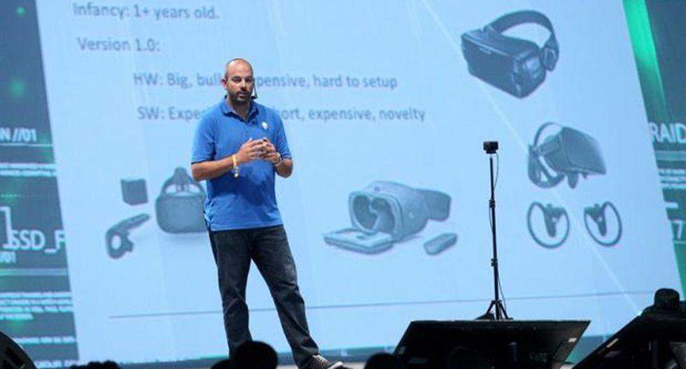 El cofundador y líder de la compañía de hardware estadounidense Alienware, Frank Azor, hablando durante el tercer día de la 'Jalisco Campus Party'. (Foto: EFE)