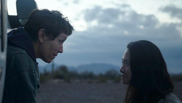 """Frances McDormand y Chloé Zhao en el rodaje de """"Nomadland"""". (Foto: Difusión)"""