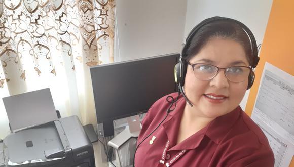 La obstetra Jessica Castro Santos atiende por teléfono o Whatsapp las dudas de aquellas gestantes que por el estado de emergencia han visto suspendidas sus consultas (Cortesía: Colegio Regional de Obstetras III de Lima y Callao).