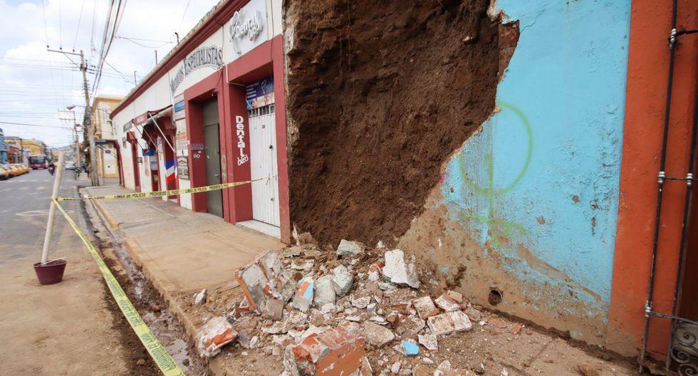 Al menos seis personas murieron tras un fuerte terremoto que sacudió este martes el centro y sur de México provocando daños en viviendas y edificios, derrumbes en carreteras, especialmente en Oaxaca, epicentro del movimiento. (REUTERS/Jorge Luis Plata).