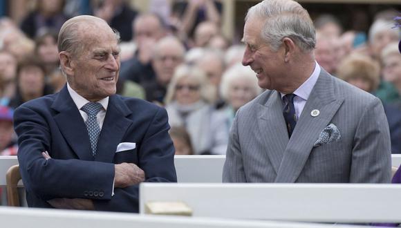 """Carlos de Gales se despidió de su """"querido papá"""", Felipe de Edimburgo, a quien calificó de """"una persona muy especial"""". (Foto: AFP)"""
