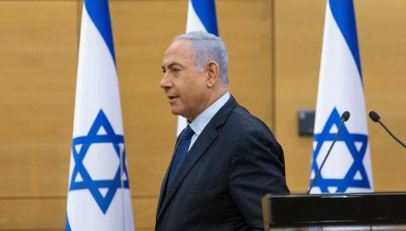 El primer ministro de Israel, Benjamin Netanyahu, llega a la Knesset, el Parlamento israelí, para pronunciar una declaración política, el 30 de mayo de 2021. (Foto de YONATAN SINDEL / POOL / AFP).