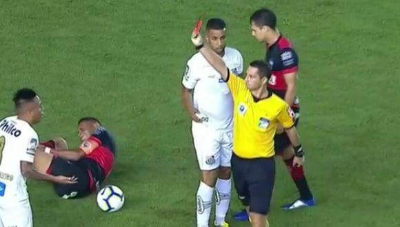 La expulsión de Christian Cueva jugando por el Santos. (Captura y video: ESPN)