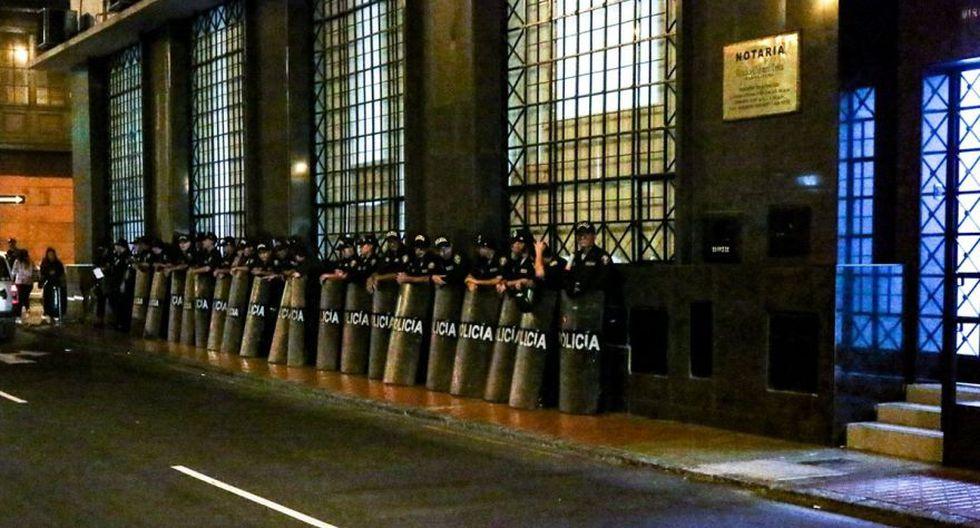 Policías se ubicaron en exteriores del local de Patria Roja - 1