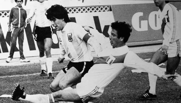 Así marcó Reyna a Maradona. (Foto: Archivo Prensmart)