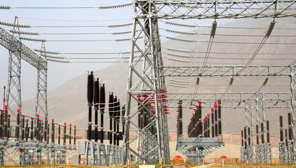La norma pone en riesgo de un eventual colapso a las 22 empresas distribuidoras de electricidad públicas que existen en el país, según la SNMPE. (Foto: GEC)
