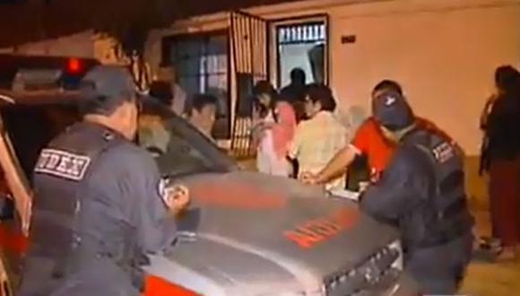 Arrojan explosivo a casa de ingeniero en San Juan de Miraflores