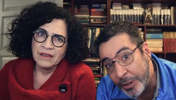 """Wendy Ramos y Carlos Carlín protagonizan la miniserie """"Raúl Con Soledad"""". (Foto: Captura de video)"""