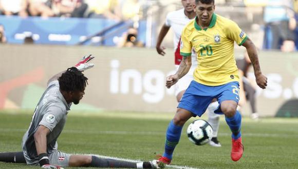 Brasil se impuso a Perú y clasificó a los cuartos de final de la Copa América. (Foto: AFP)