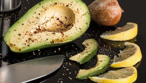 ¿No quitarle el carozo o pepa, frotarle jugo de limón? Descubre cuál es el mejor truco para que aguacate. (Foto: Pixabay)