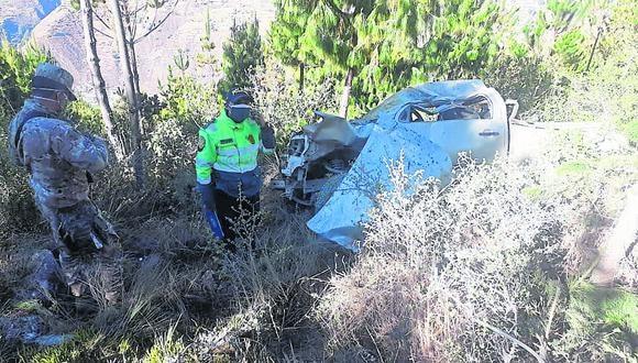 Junín: la unidad siniestrado cayó a un abisma de 100 metros de profundidad, en el distrito de Huasahuasi.