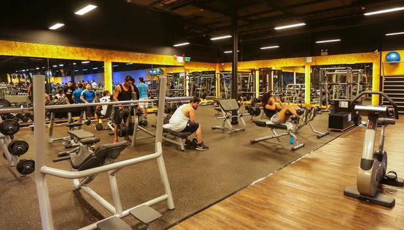 Señala que el cierre de gimnasios afecta a más de 20 mil profesionales del deporte y sus familias.