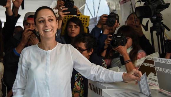 Según a una encuesta a boca de urna, Claudia Sheinbaum, candidata de la coalición Morena, se convirtió en la primera mujer electa a la alcaldía de la Ciudad de México. (Foto: AFP).