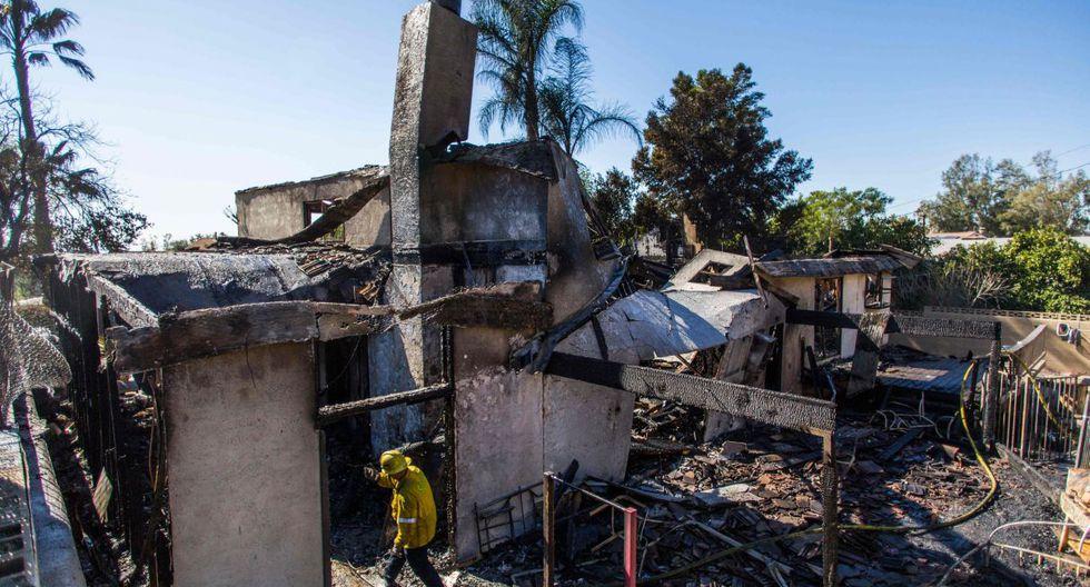 El Servicio Nacional de Meteorología informó que, aunque las alertas rojas seguirán vigentes en la zona de Los Ángeles y Ventura, las condiciones han mejorado. (Foto: AFP)