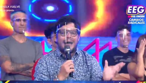 """Gian Piero Diaz regresó a la conducción de """"Esto es guerra"""" y bromeó con Johanna San Miguel. (Foto: Captura de video)"""