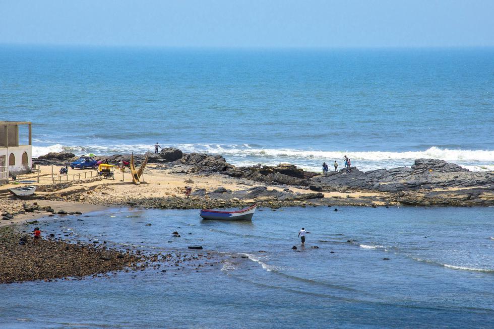 Así es conocido Puémape, pues solo se activa en verano. El resto del año es una pequeña caleta de pescadores. (Foto: Flor Ruiz)
