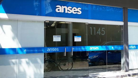 La ANSES activará las medidas de refuerzo para sectores vulnerables con el regreso del cuarto bono del IFE. (Foto: La Nación de Argentina, GDA)