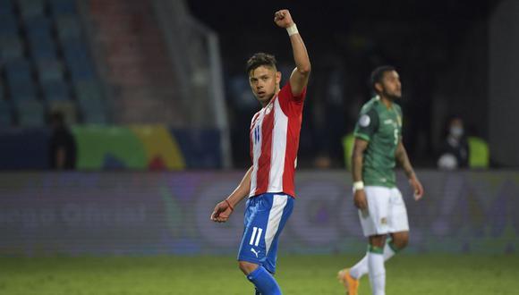 Ángel Romero es habitual titular en el Paraguay de Eduardo Berizzo. (Foto: AFP)