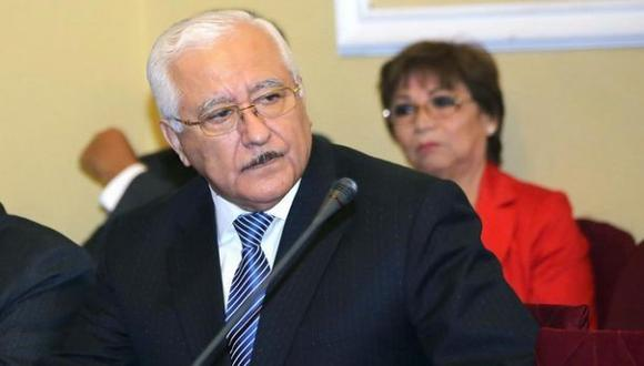 Fiscalía archiva una denuncia contra rector de la Garcilaso