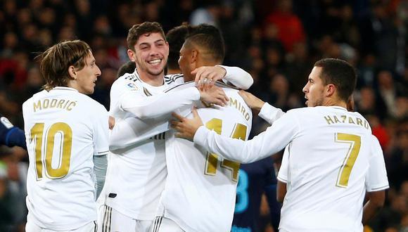 Real Madrid ganó 3-1 con goles de Karim Benzema (37), Fede Valverde (48) y Luka Modric (74), que le sirvieron para remontar el 1-0 logrado por el brasileño Willian José (2). (Foto: REUTERS/Javier Barbancho)