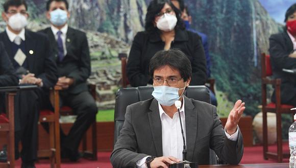 El gobernador regional de Cusco expresó su molestia con el Ejecutivo por no tomar en cuenta su propuesta de una cuarentena rígida en su región  para frenar el incremento de contagios y fallecimientos por COVID-19.