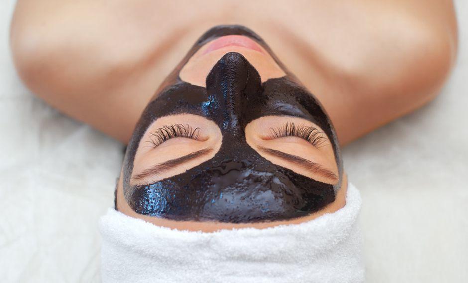 Inicialmente se pensó que el carbón activado solo era para el rostro, pero resultó que también caía bien en el cuero cabelludo.