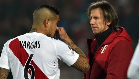 Juan Vargas jugó en Fiorentina de la Serie A en los seis primeros meses de Ricardo Gareca al mando de Perú. (Foto: AFP)