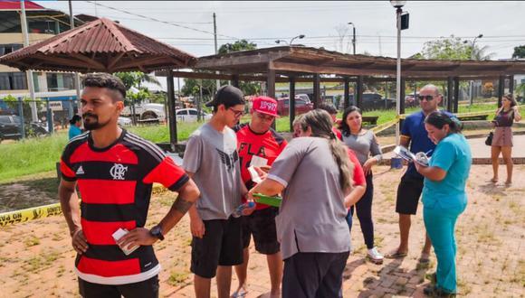 Hinchas brasileños pasaron por el control migratorio en el Puesto de Control Fronterizo de Iñapari. (Foto: Migraciones)
