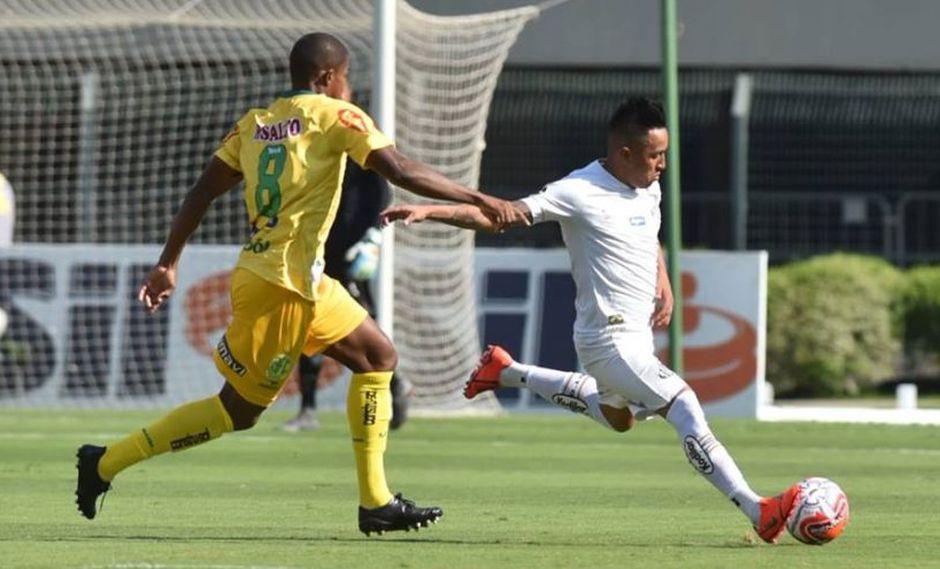 Christian Cueva hará su aparición con la camiseta del Santos frente al Mirassol, por la sexta ronda de la fase de grupos del Campeonato Paulista (Foto: Iván Storti)