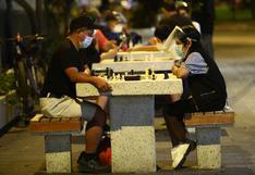 Cinco plazas y parques en Lima para jugar ajedrez al aire libre y entrenar la mente
