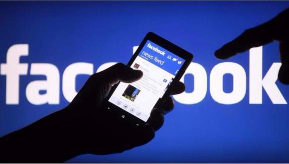 """La mensajería ha aumentado más de 50% """"en muchos de los países más afectados por el virus"""", dijo Facebook, y agregó que las llamadas de voz en esas regiones se han duplicado con creces."""