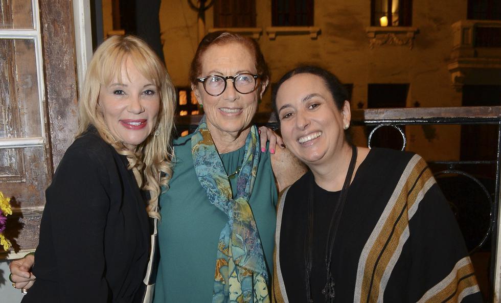 Astrid Gutsche, Marisa Guiulfo y Marilú Madueño