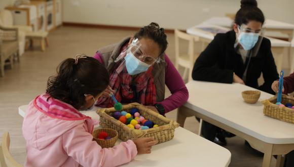 Inicio de clases escolares presenciales en el colegio Cambridge Collegue, Chorrillos. (Foto: Britanie Arroyo/ @photo.gec)