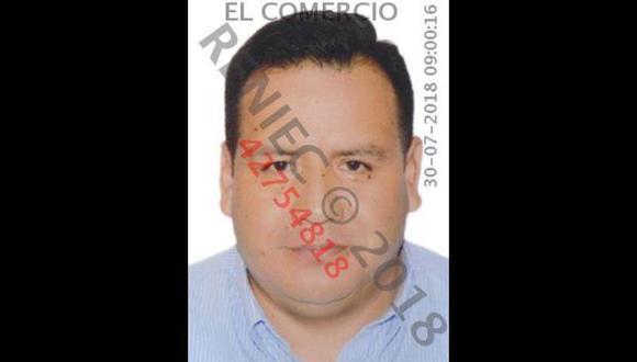 Marcelino Meneses Huayra, presunto miembro de Los Cuellos Blancos del Puerto, viajó a Estados Unidos el pasado martes 24 de julio. (Foto: Reniec)