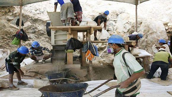 Gobiernos regionales fallan en fiscalizar la minería artesanal - 1