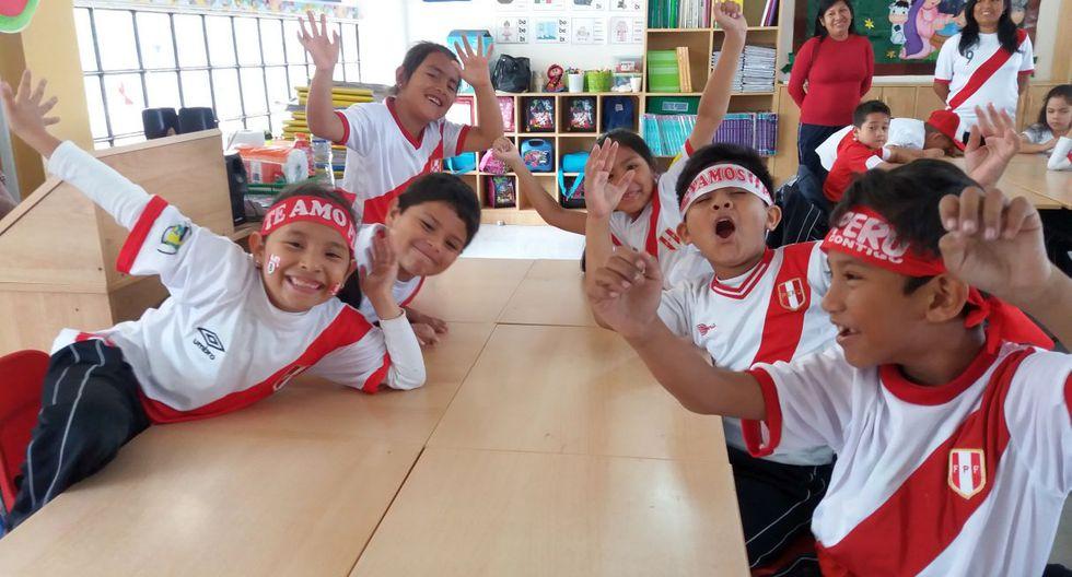 Colegio apoya a la selección peruana