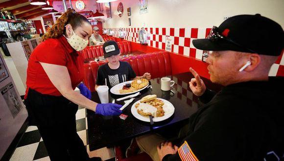Los restaurantes están teniendo problemas para encontrar personal. (Getty Images).