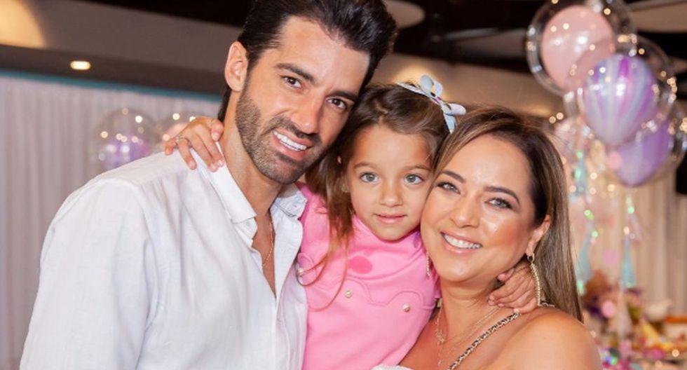 En la actualidad, Adamari López mantiene una sólida relación con el bailarín Toni Costa con quien tiene una hija. (Foto: Instagram)