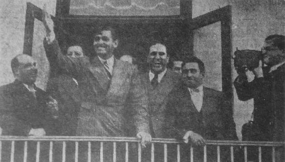 """La estrella de Hollywood Clark Gable llegó al antiguo aeropuerto de """"Las Palmas"""" (antes que Limatambo) en octubre de 1935 y se hospedó en el Hotel Country Club. Aquí en un saludo a sus seguidoras desde la terraza del hotel en San Isidro. (Foto: GEC Archivo Histórico)"""