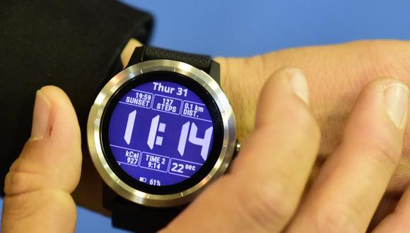 Uno de los relojes inteligentes comercializados por la compañía Garmin. (Foto: TOBIAS SCHWARZ / AFP)