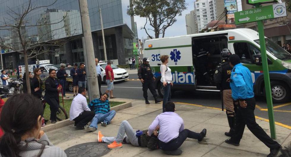 Balacera por asalto a cambistas en cruce de Av. 28 de julio y Vía Expresa (Foto: @gatoencerrado2)