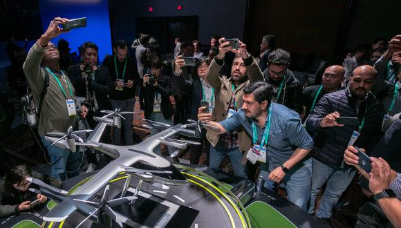 Uber dijo que proporcionará a los socios servicios de apoyo en el espacio aéreo, conexiones a transporte terrestre y una gran base de clientes. (Foto: AFP)