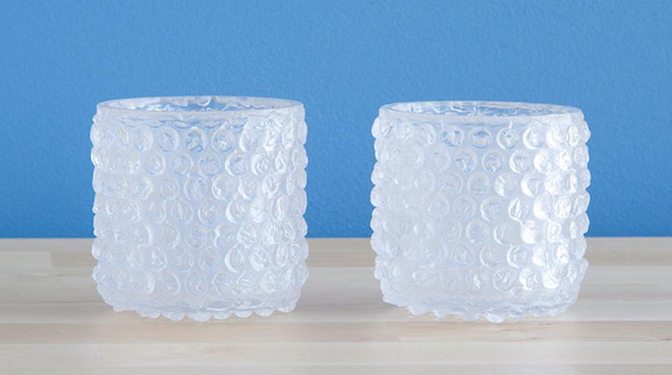 Mira estos curiosos vasos 'cubiertos' con plástico de burbujas - 1