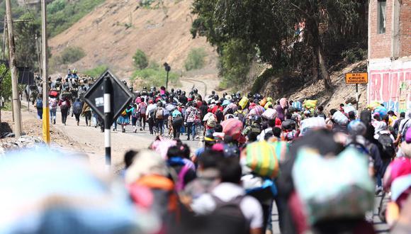 Dos personas, que se encontraban entre los pobladores que intentaron llegar a pie desde Lima a sus provincias, dieron positivo a COVID-19. (Foto: Hugo Curotto/GEC)
